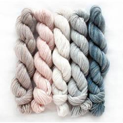 Manos del Uruguay Silk Blend Fino minis Clarissa