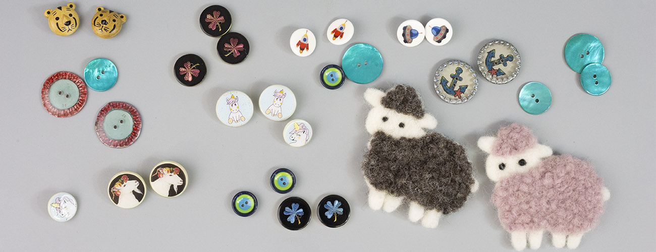 Buttons by JIM KNOPF